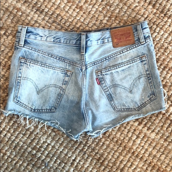 Levi short shorts